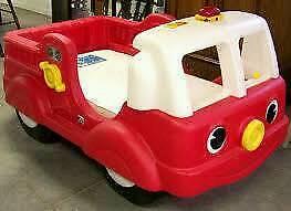 Toddler/infant fire engine truck bed