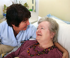 FEMALE CARER REQUIRED -DAY & NIGHT DUTIES. £9.00 PH - Training given!