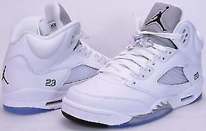 Air jordan 5 retro metallic white Size 9.5