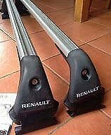 Roof Bars Genuine Renault Captur bars, pre owned excellent condition