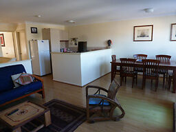 Furnished townhouse close to South Fremantle's beach South Fremantle Fremantle Area Preview