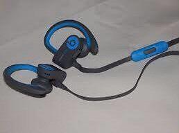 Powerbeats 2 headphones