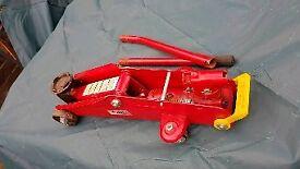 Car jack trolley