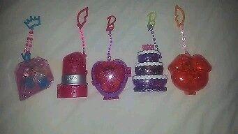 6 miniature pocket Barbie dolls and accessories