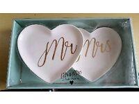 Mr & Mrs Hart Shape Plates