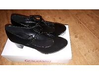 Black Ladies Patent Shoes Size 6