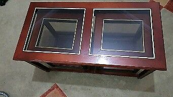 Stunning coffee table with extensions !