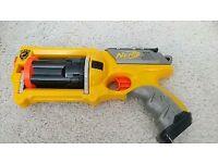 Nerf gun maverick rev-6 with bullets
