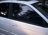 IM LOOKING FOR AN AUTOMOTIVE TINT INSTALLER WITH EXPERIENCE