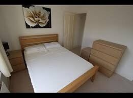 Newly refurbished double room next to Tower Bridge