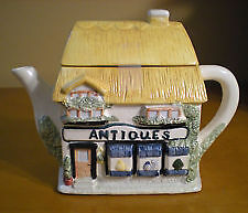 Country Cottage Tea Pot