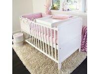 Isabella Cot Bed/Junior Bed