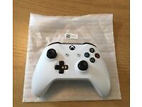 Xbox Controller - White (Willing to deliver)