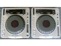 Pioneer CDJ800 CD decks (pair)