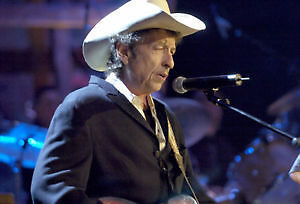 BOB DYLAN BEST SEATS 7TH. ROW FLOOR=G= CLOSE TO STAGE. PARTERE