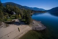 Waterfront Gem only 10 Minutes from Nelson