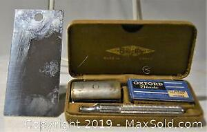 Vintage Gillette SAFETY RAZOR in hard shell hinged metal case. Includes metal mirror, razor and 2 blue blades