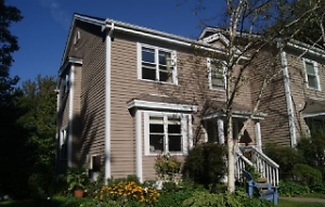 13-014 Lovely end unit townhome Bedford, near Papermill Lake
