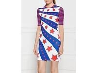 HOUSE OF HOLLAND FIGHT GIRL STAR PRINT JERSEY DRESS - WHITE/RED/BLUE, RED/WHITE/BLUE - size 14 (UK)