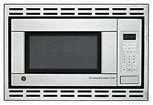 24'' Stainless GE Microwave Oven + trim kit