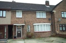 lovely spacious fully furnished Three Bedrooms terraced House in Newbury Park