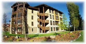 Newer 3 Bdrm Luxury Condo on Mountain - Hot Tub - Pool - UG.....