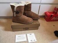 Genuine Bailey button ugg boots size 5.5 lovely condition