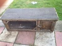 rabbit hutch good condition only £7.00