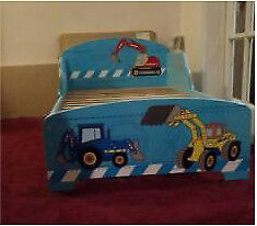 Small tractor wooden bed frame (children's) fits small single mattress