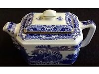 COLLECTIBLE TEAPOT for RINGTONS TEA by WADE