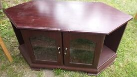 wooden tv unit good condition only £5.00