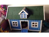 Blue Rabbit House/Hutch