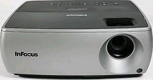 Projecteur Infocus IN2104 usagé