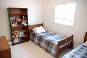 Room to rent in Waterdown - available June 1st