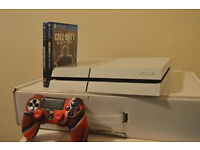 WHITE 500GB PS4+CONTROLLER+2 GAMES +CONTROLLER SKINS AND THUMB GRIPS