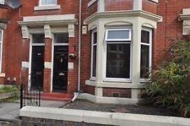 2 bedroom furnished ground floor flat to rent on Cartington Terrace, Heaton.