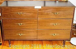 "Dresser with 6 Drawers Pick up in Time-slot ""C"" ONLY"
