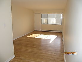 1 BEDROOM ON QUINPOOL RD. NEAR ROTARY AVAILABLE JUNE 1ST