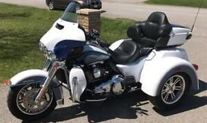 Harley Davidson Two Toned Tri Glide Ultra