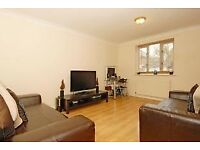 Large 2 double bedroom garden house with Off St Parking, 8 mins walk to New Cross Gate Station