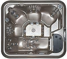 LA Z BOY SPAS TRUE SALT WATER HOT TUBS. Peterborough Peterborough Area image 4