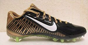 cleat  Nike gold football neuf