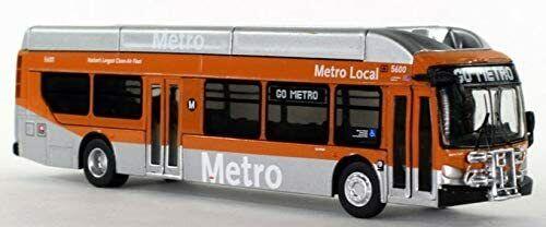New Flyer Excelsior bus LA Metro Local 1:87 Scale HO Scale Iconic Replica Rare!