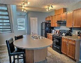 Terwillegar townhouse available! 2 bdrm, garage, great location!