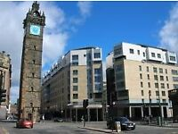 A Two Bedroom Unfurnished Flat with Parking on High Street, Close to the Merchant City (ACT 241)