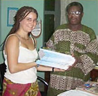 Volunteer in a library in Togo