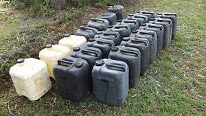20 lts Plastic drums with lids Pine Mountain Ipswich City Preview