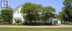 beautiful large home with 6 car garage- mins walk to ocean