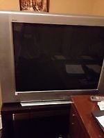 Sony Tv vey heavy and bring 2 people care it!