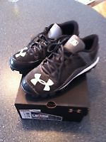 Under Armour Baseball Shoes - Size 6